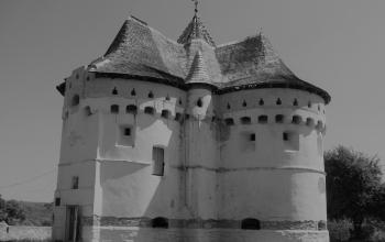 Покровська церква-фортеця у с. Сутківці. 1467