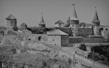 Кам'янець-Подільська фортеця. XIV-XVI ст